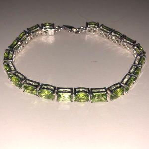 Jewelry - Sterling Silver Green Peridot Bracelet 14.13 CTW